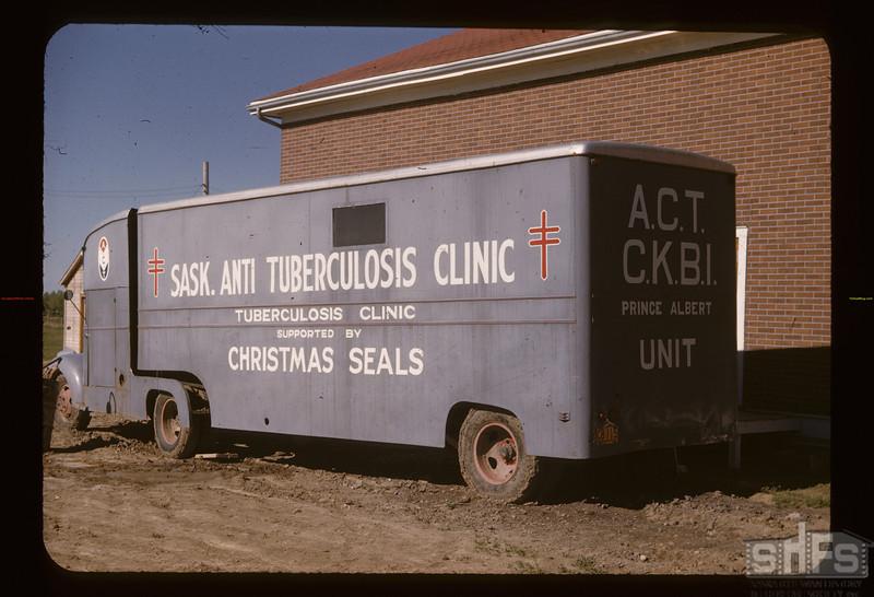 Anti TB clinic on wheels. Gravelbourg. 06/12/1947