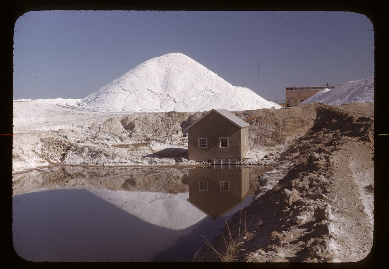 NaSO4 stockpile and pumphouse.Chaplin. 05/28/1948