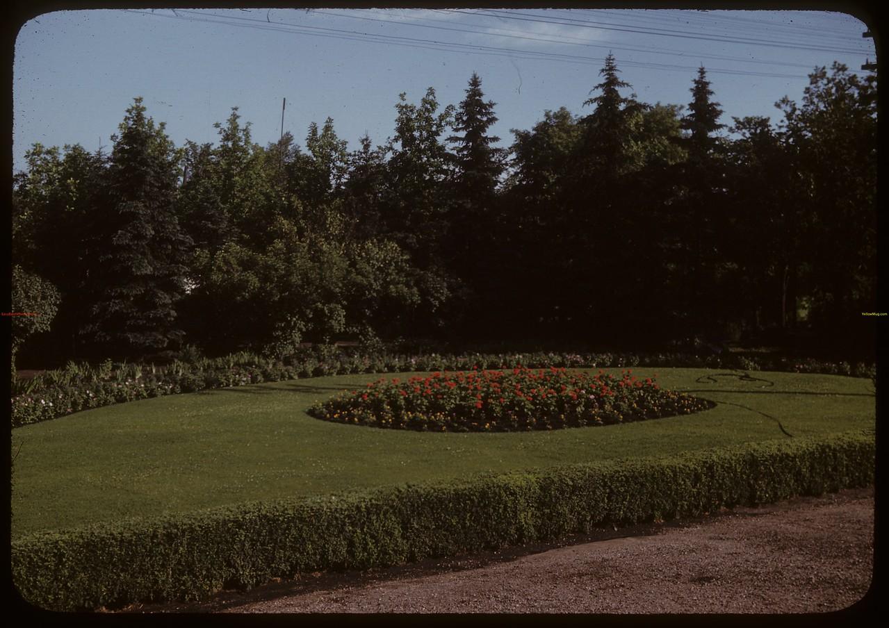 Flower gardens CPR Station. Saskatoon 07/08/1947