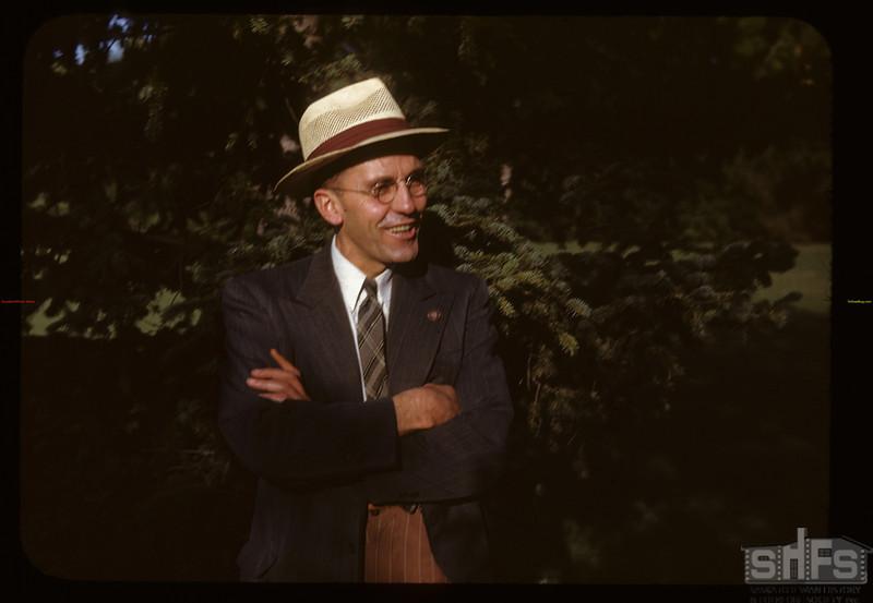 Hon. J. H. Brockelbank Minister of Municipal Affairs. Regina 08/11/1947