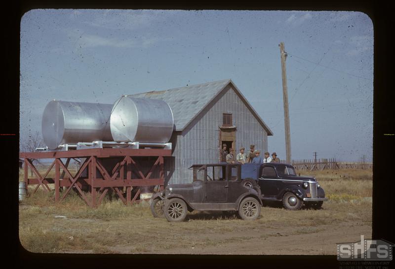 Gouverneur Co-op [west of Ponteix]. Gouveneur. 08/26/1942