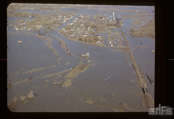 Frenchman River flooding Eastend. Eastend. 04/15/1952