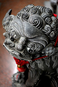 10pm - Granite lion at Tan Si Chong Su temple Magazine Road, Singapore 03/2012 This photos starts a series of photos taken with a Canon 50mm - f1.8 lens.