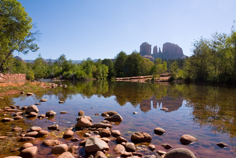 Cathedral Rock reflects upon Oak Creek (wide)