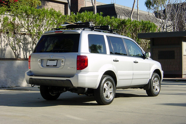 ...a Honda Pilot EX-L.  Valerie and I actually entertained the idea of buying this SUV last year, but decided against it.  It wasn't until our last trip riding in Marc's Jeep that we changed our minds.