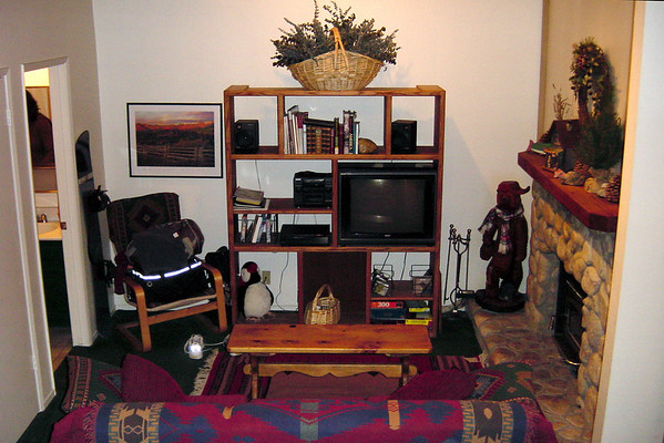 F16 - living room (from ground)