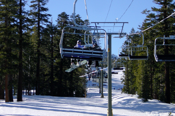 DAY 1 - We meet up with Dids and Lisa on Schoolyard Express, the new high-speed quad near Canyon Lodge.  We don't miss Chair 17 one bit!
