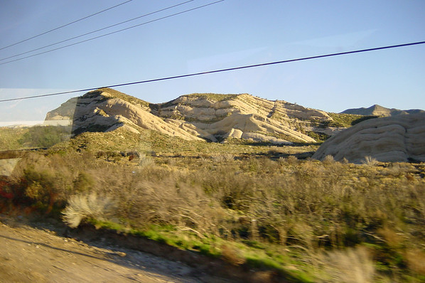 Along the 138, we find interesting rock formations...
