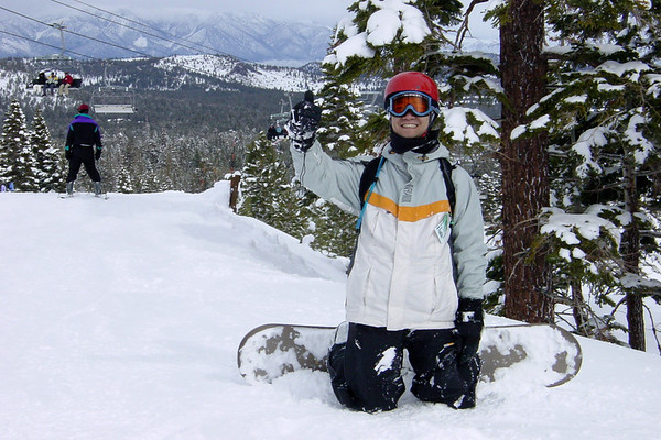"""In the afternoon, visibility improves and it stops snowing.  6"""" fell today...and the fresh snow feels great!"""
