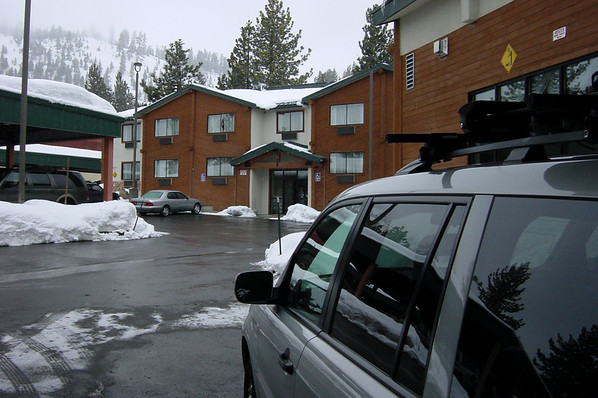 ...but we still make good time to Mammoth.   We request an early check-in when we arrive at the Holiday Inn, unload the Pilot, and then head to our room to change into our snowboarding gear