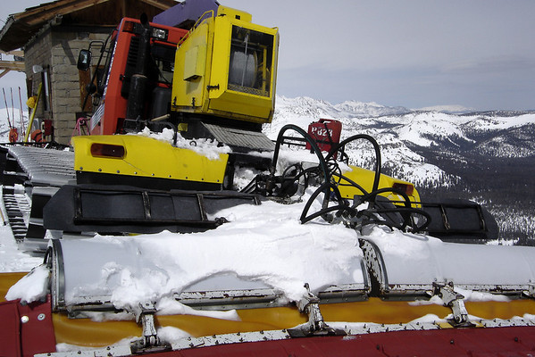 One of the Snowcats is parked near the top of Face Lift
