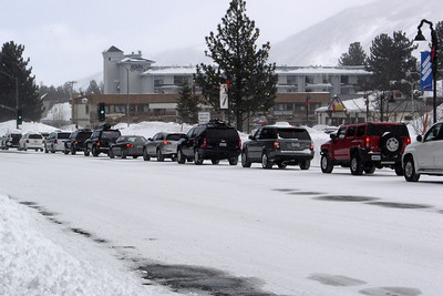 The 395 was closed earlier, so this must be the SoCal crowd that typically tries to leave the mountain around noon on Sundays.  The Super Bowl begins in just a few hours...will they even make it to Bishop in time for kickoff?