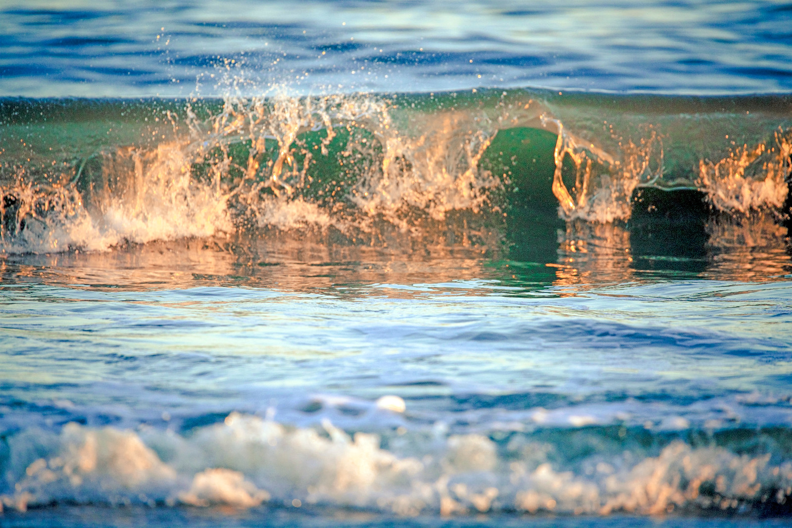 Translucent Wave w/ Late Afternoon Sun Glow