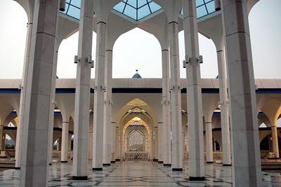 Inside Sultan Salahuddin Mosque - Shah Alam, Malaysia