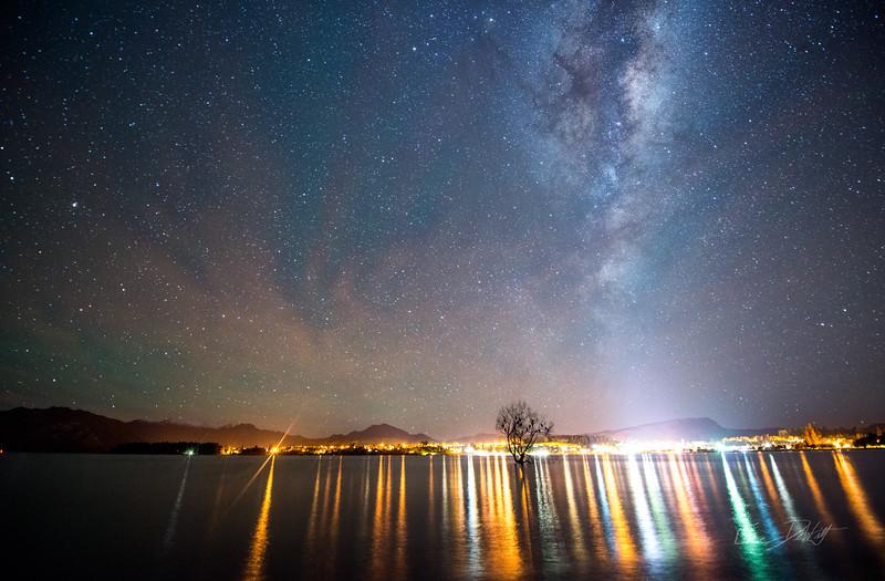 Lone_Tree_Milky_Way_Wanaka_New_Zealand_20150519__150519_293