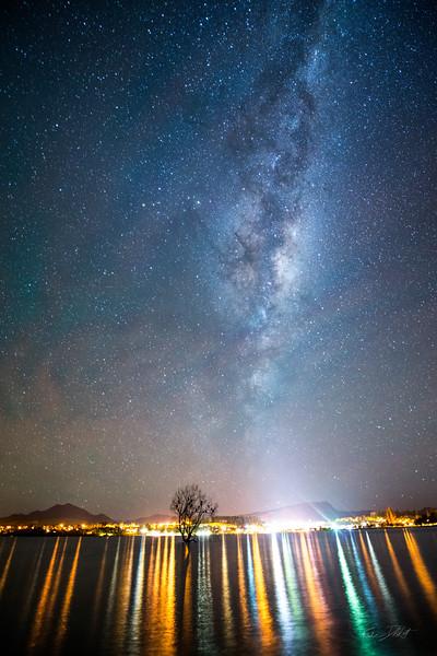 Lone_Tree_Milky_Way_Wanaka_New_Zealand_20150519_329