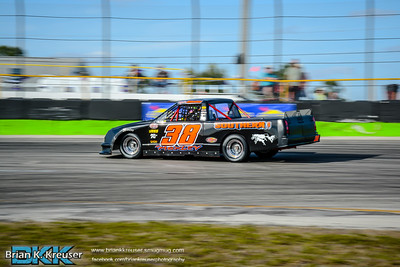 Practice_Session_Three_Palms_Speedway_01312015-16