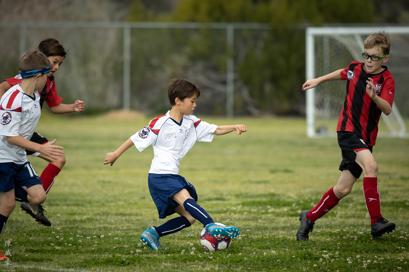 IMAGE: https://photos.smugmug.com/Photography/Sports/2020-AYSO-Renegades/i-82Nd7CX/0/f90a2624/X3/20200223-Canon%20EOS-1D%20X%20Mark%20III-1DX30358-X3.jpg