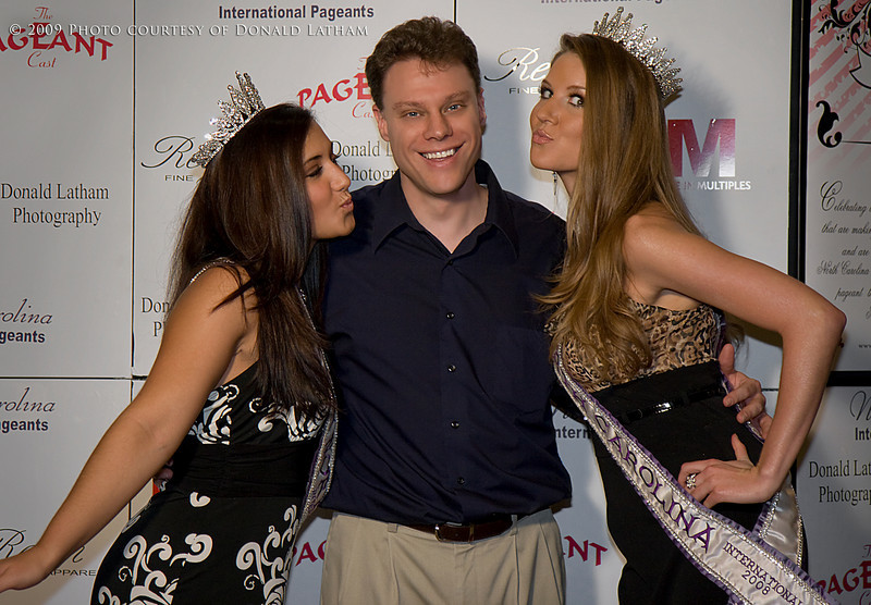 Alan with the 2008 Miss Teen North Carolina, Maria Dimopulous, and 2008 Miss ...