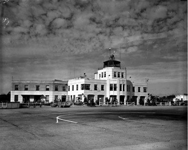 View of Jacksonville's old art deco airport terminal during the 1940s.
