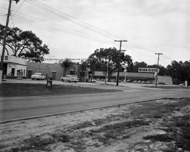 Looking south along San Jose Boulevard, towards Winn-Dixie supermarket in the Lakewood Shopping Center, in 1959.