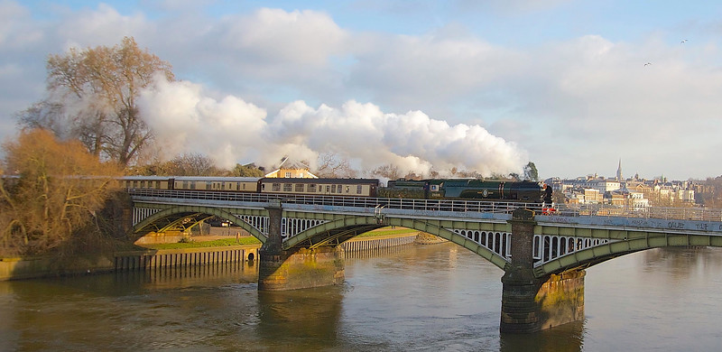 Clan Line British Pullman at Richmond.