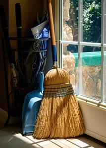 broom+dustpan-t3155