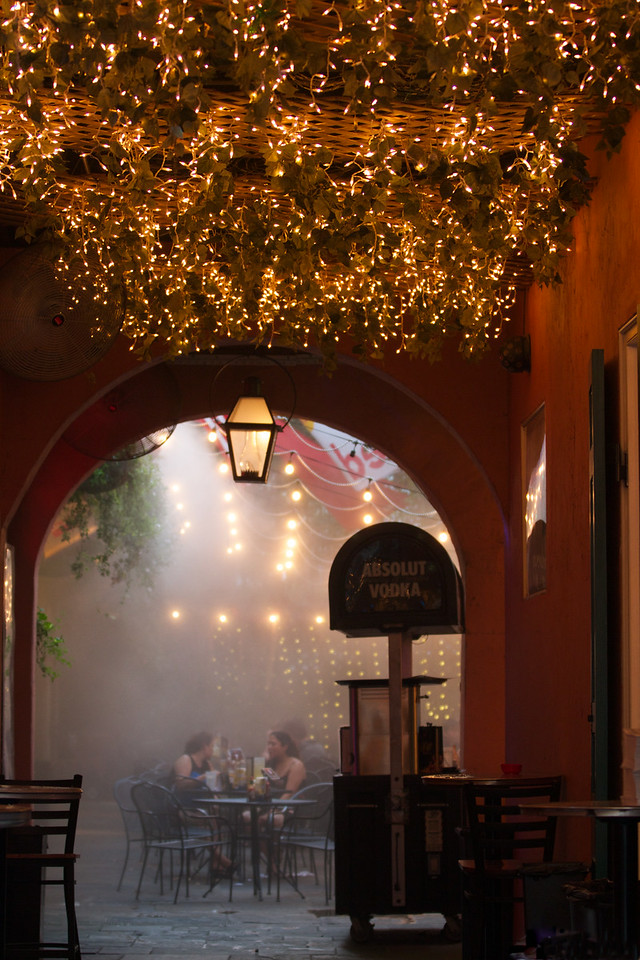 Restaurant Courtyard
