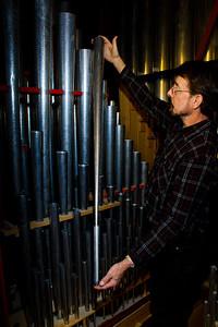 _MG_3332 holding pipe Bob Wilson 2012