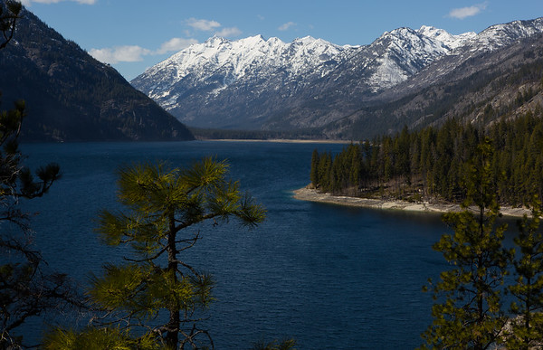 Lake Chelan trail
