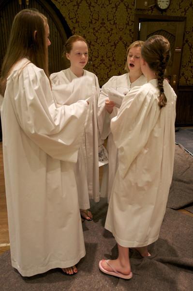 Christ Church Confirmation Class 2010   23795