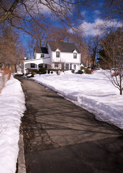 59 New England Avenue ... driveway