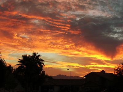 nov 7, 2007. @  5:45pm.  Golden Shores, AZ.