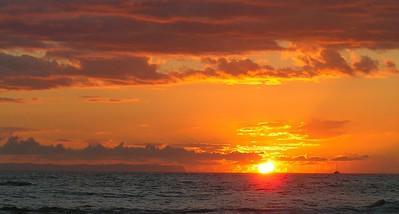 Ni'ihau at sunset from Salt Pond Beach, Hanapepe, aug 27, 2005