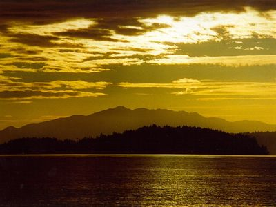Vancouver Island sunset, from Gibson, BC, aug 1998