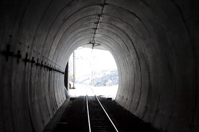 Tunnel - GoldenPass Line