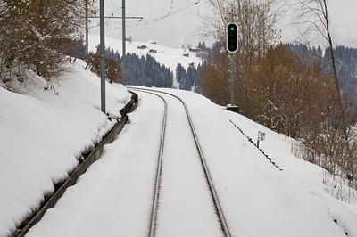 Snowy tracks - GoldenPass Line