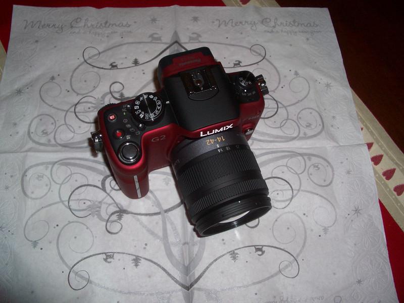 Panasonic Lumix DMC-G2 Red w/14-42mm lens