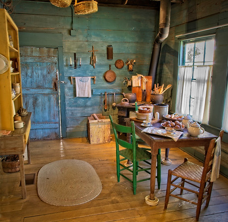 Nathaniel Davis' log Home Kitchen