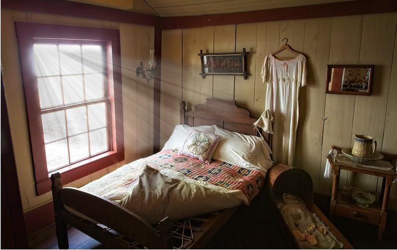 Nathaniel Davis' Daughter Bedroom