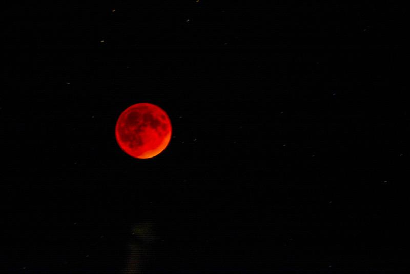 Full Lunar Eclipse - Bloodmoon!