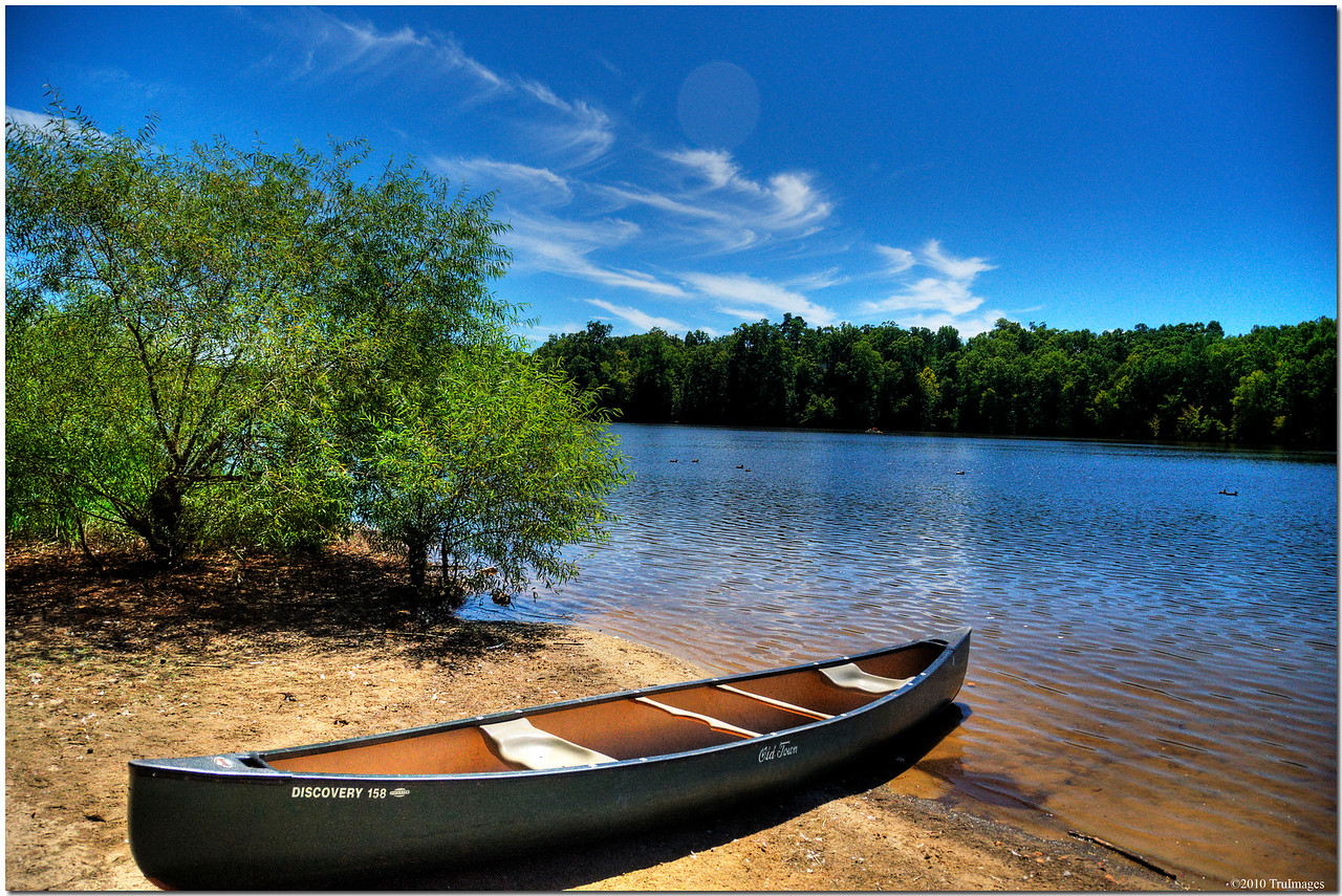 September 4<br /> The lonely canoe<br /> Bond Lake