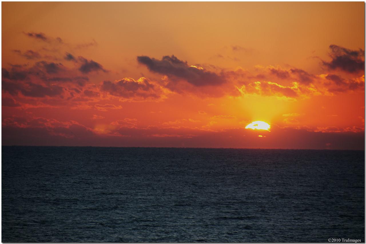 Nov 28<br /> The peaceful Atlantic ocean, still asleep