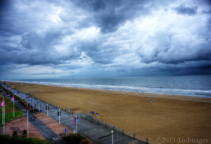 Oct 23<br /> Infinity<br /> <br /> Clouds, sand and ocean, as far as the eye can see!
