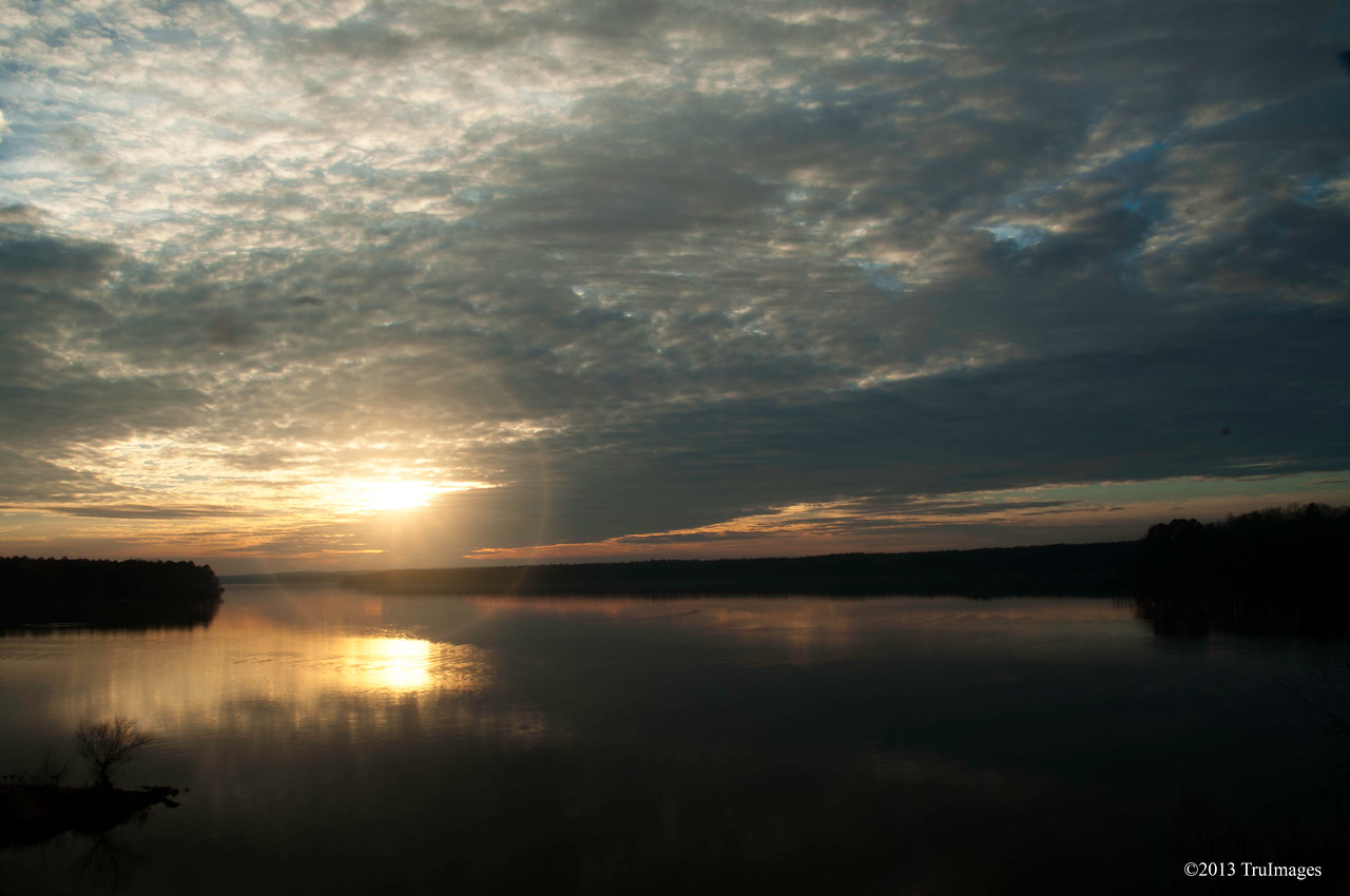 Jan 15<br /> Tranquility<br /> <br /> Sunset over Jordan Lake in NC