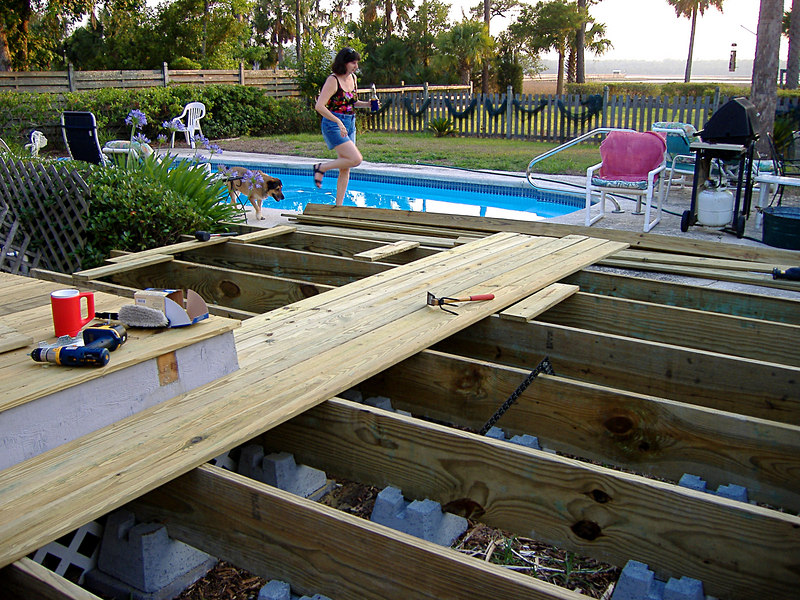 10 The New Deck at River Ridge