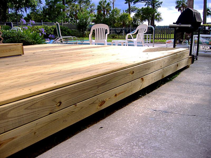 19 The New Deck at River Ridge