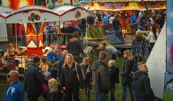 Berglunds Tivoli. Simbadet,Österbybruk. Eldfesten, Söndag kväll ,14 Augusti 2016 Foto:©Barbro Paulsson / Picturecave