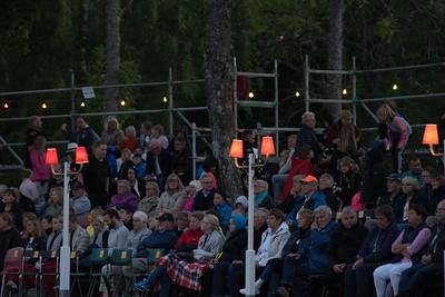 Publik vid Simbadet,Österbybruk. Eldfesten, Söndag kväll ,14 Augusti 2016 Fotograf:Barbro Paulsson /Picturecave