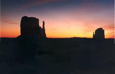 monument valley, dawn, mar 3, 1994c